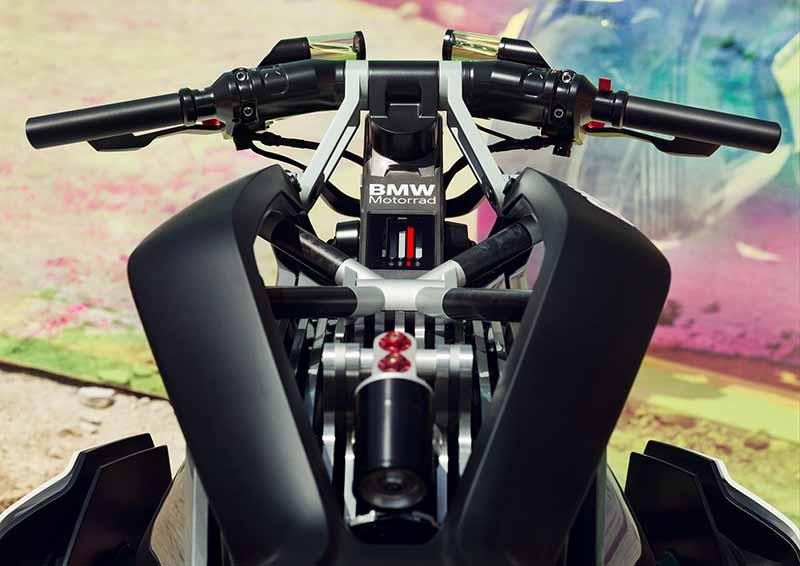 bmw-электромотоцикл-2