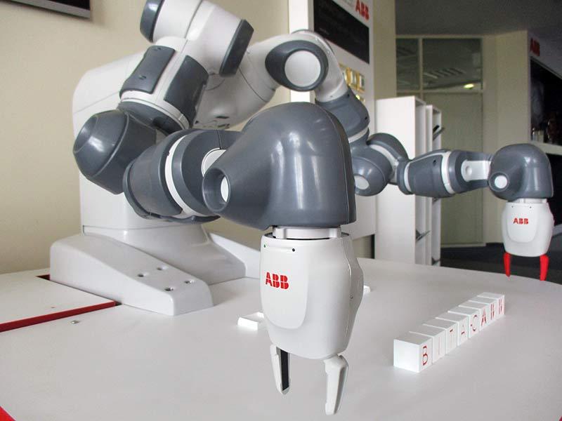 abb-робот-yumi-3