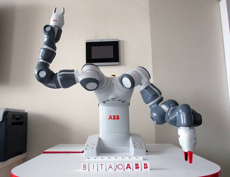 abb-робот-yumi-5