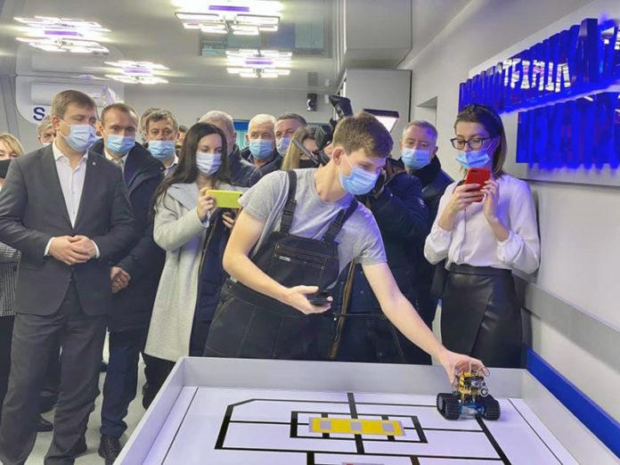 Электроблюз-лаборатория-робототехники-Ровно