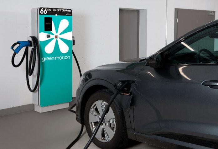 Электроблюз-Eaton-Green-Motion-зарядка-электромобилей