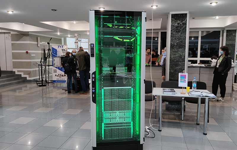 Электроблюз-Rittal-VX-IT-8